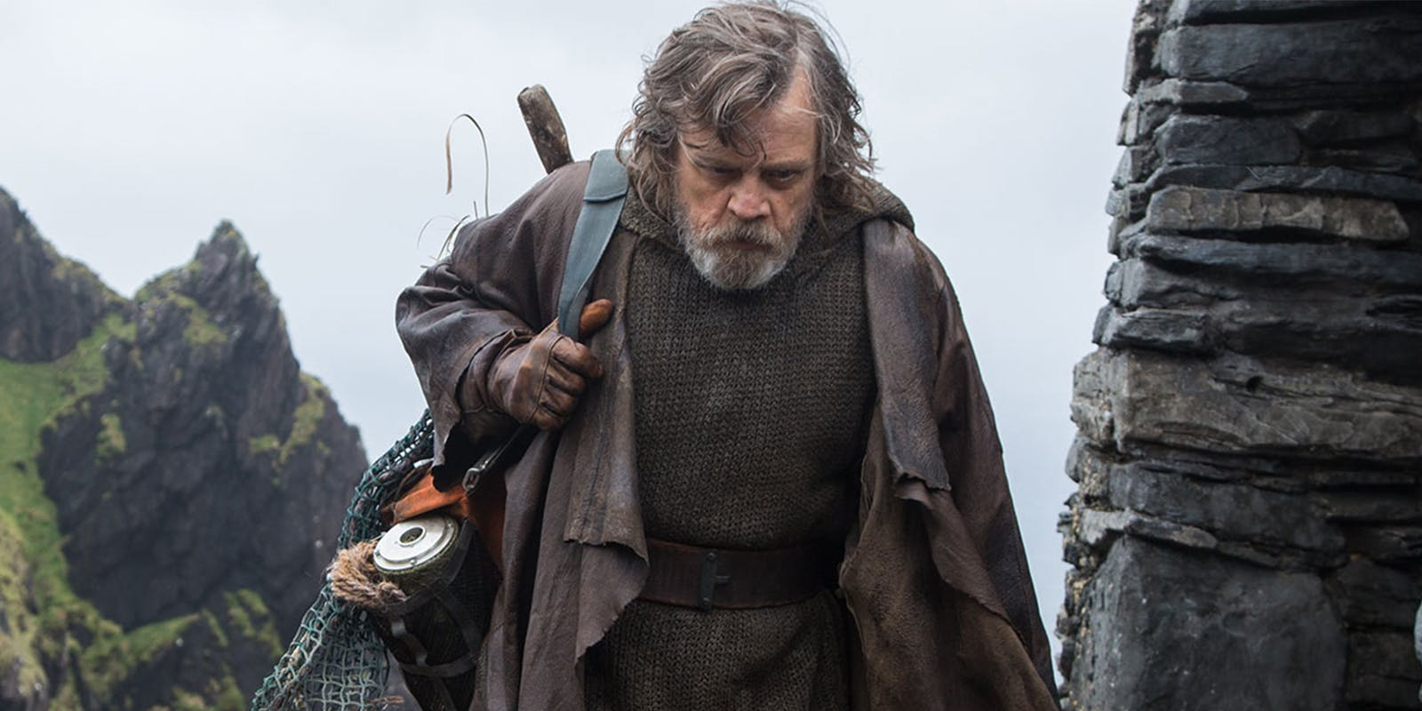 10 objects you may have missed from Star Wars: The Last Jedi™