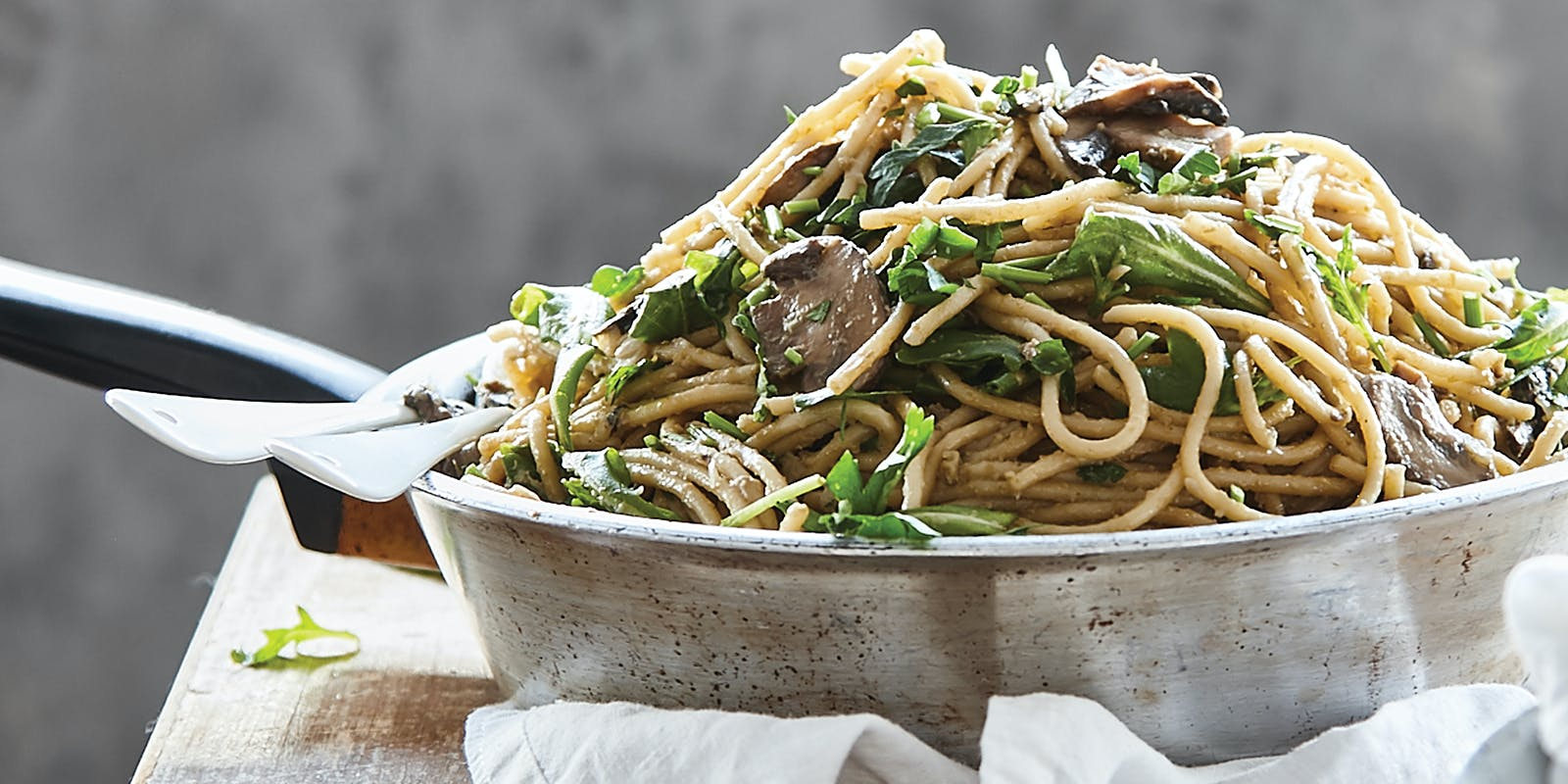 One-bowl mushroom spaghetti